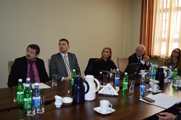 Spotkanie w Powiatowym Urzędzie Pracy w Tarnowie, dotyczące wdrażanego projektu pn. EXPRESS DO ZATRUDNIENIA - INNOWACYJNY MODEL AKTYWIZACJI OSÓB BEZROBOTNYCH